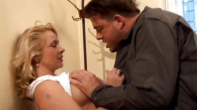 Geile Hausfrauen Compilation – Private Sexfilme zum wichsen.