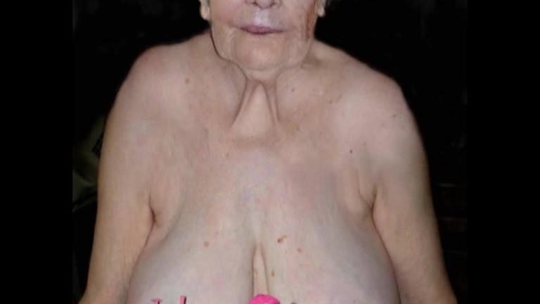 Omas über 80 nackt